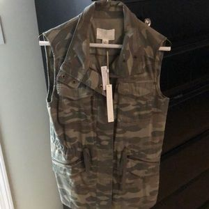 New with tags camo vest